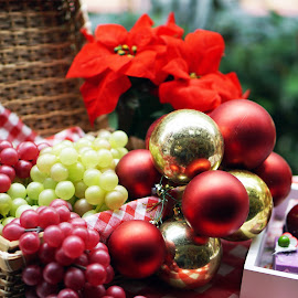 Fruits and Bubbles by Alice Chia - Public Holidays Christmas ( red, cakes, grapes, green, basket, bubbles, round, gold, hollies )
