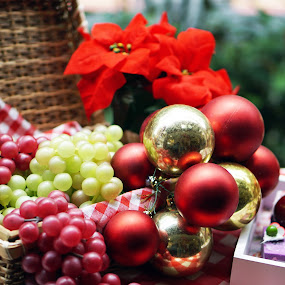Fruits and Bubbles by Alice Chia - Public Holidays Christmas ( red, cakes, grapes, green, basket, bubbles, round, gold, hollies,  )