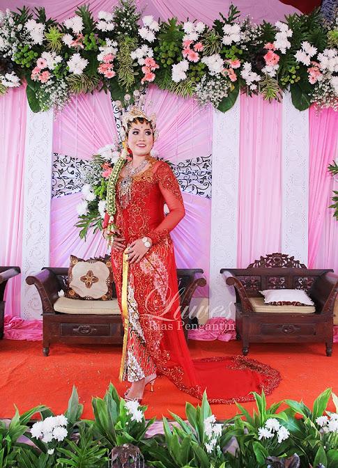 Rias pengantin jawa modern dengan paes dan kebaya
