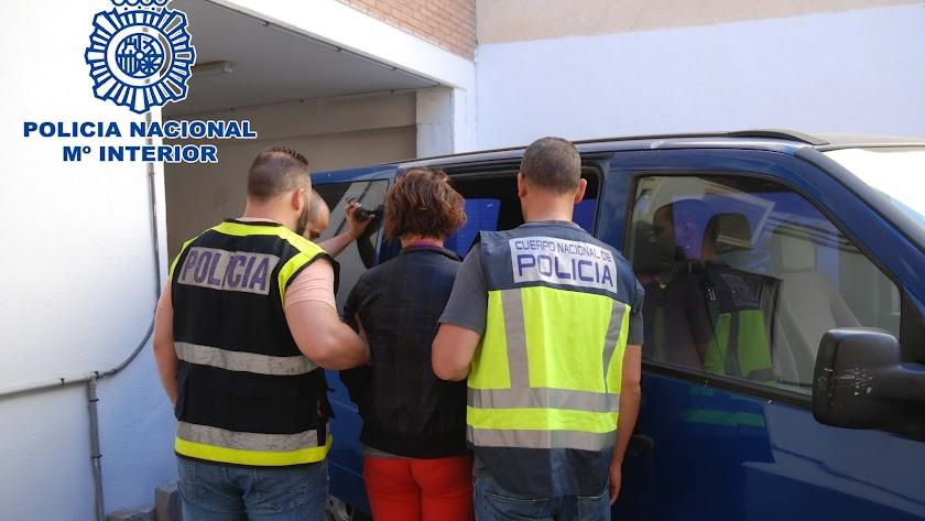 Traslado de la detenida