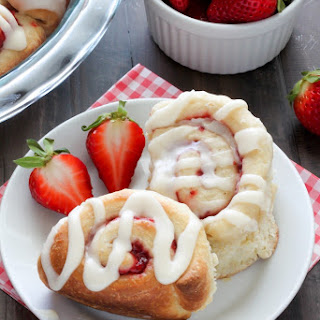 Strawberry Rolls with Vanilla Glaze and a Giveaway