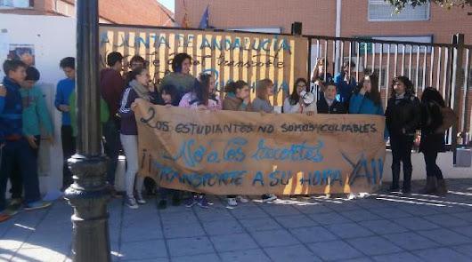 Protestas en el IESEntresierras por los horarios del transporte escolar
