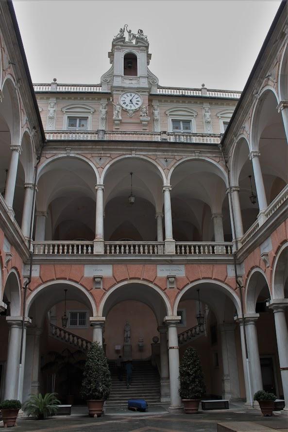 Palazzo Rosso Genova (Le petit requin)