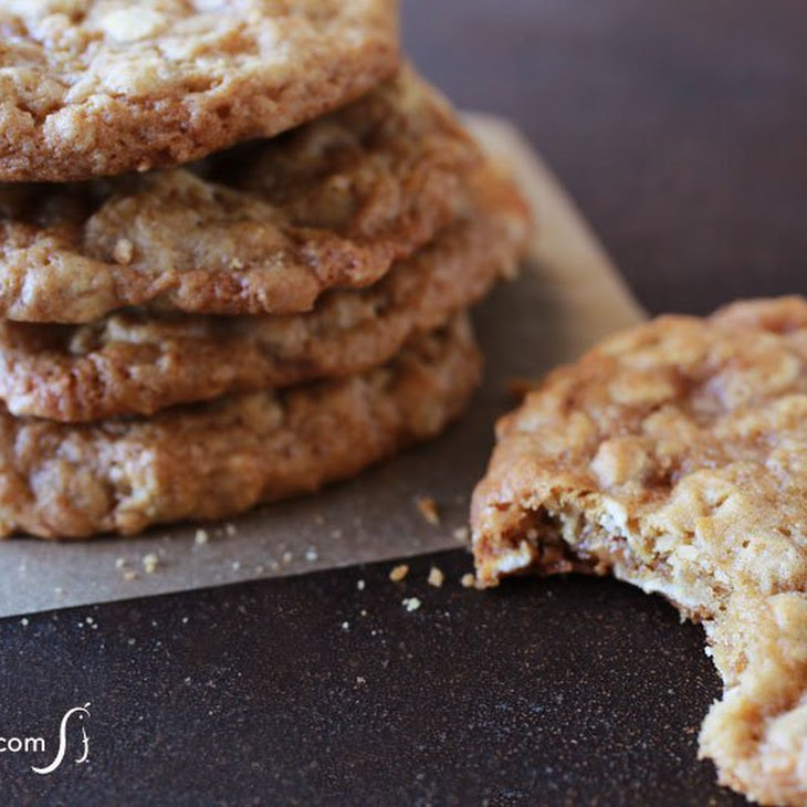 Chewy Oatmeal Toffee Cookies