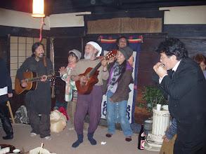 Photo: お別れ会でボブやカズが歌ってます