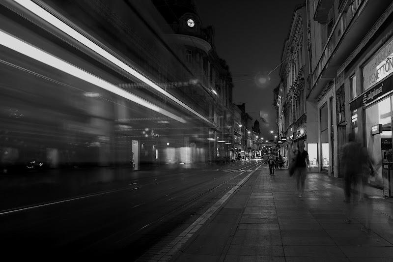 ... e ho visto i raggi B balenare nel buio... di Tefnut_Simo