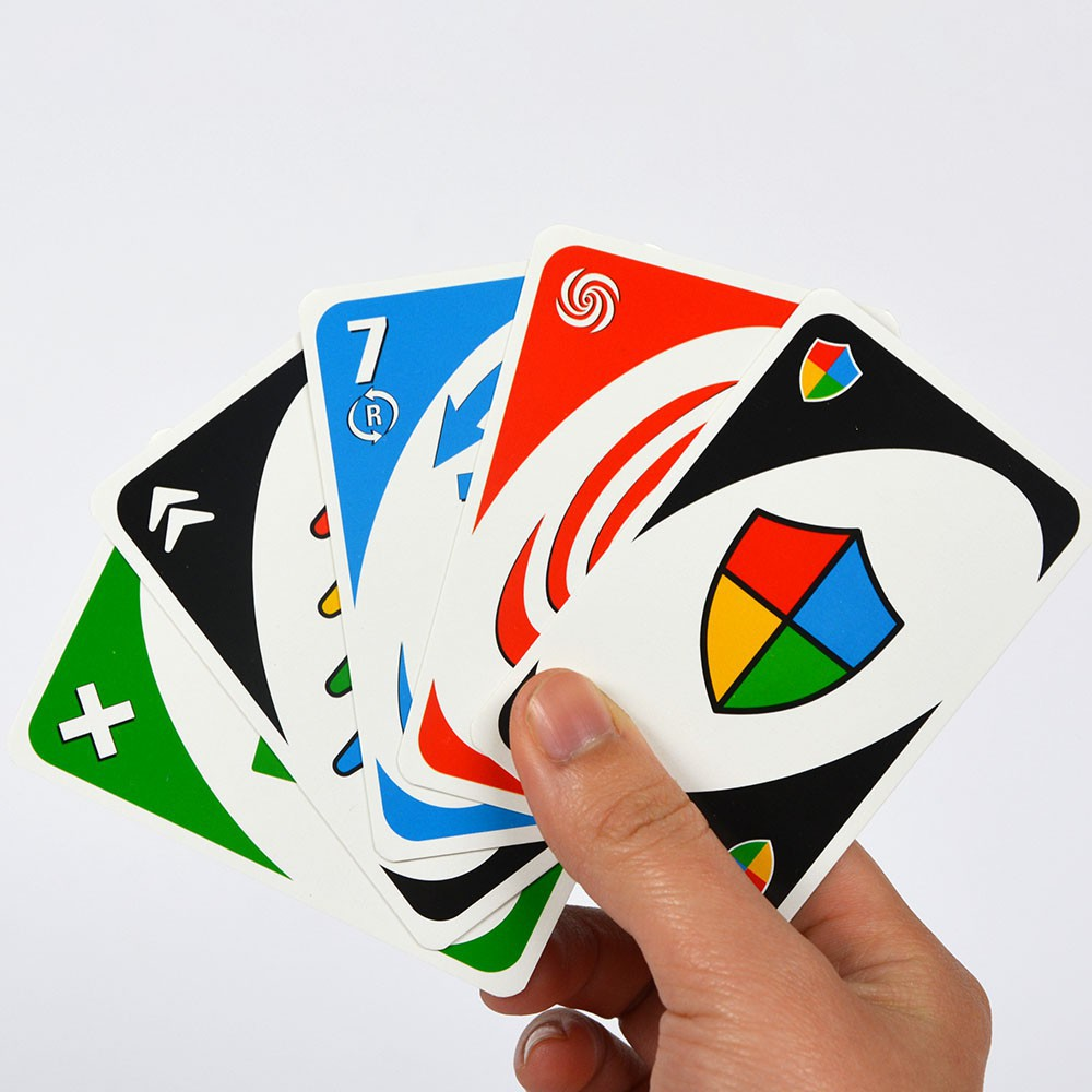 Các lá trong bản Storm theo thứ tự trái sang phải: Discard Color, Wild Up, 7 Change, Tornado, Wild Shield