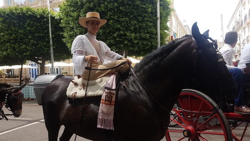 El Paseo de Caballos cierra con una llamativa comitiva de carruajes de tradición