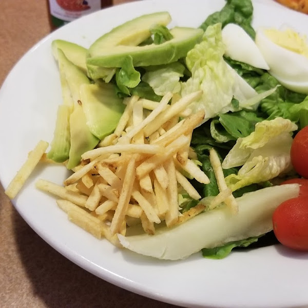 I wasn't expecting the crunchy potatoes on my salad so I tested them with the Nima sensor.