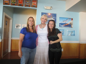Photo: Lunch at the Surf Rider with the Spacetweeps! Angela & Tay :)