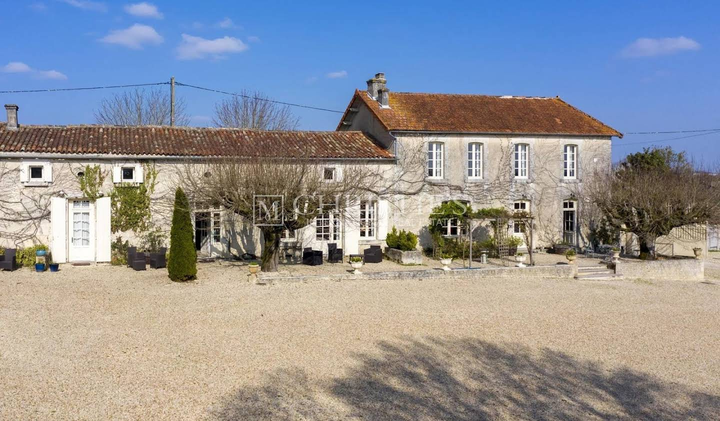 Property with pool Cognac