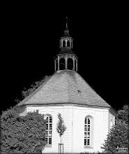Photo: Oktogondorfkirche aus dem 18. Jht. in Weisdin