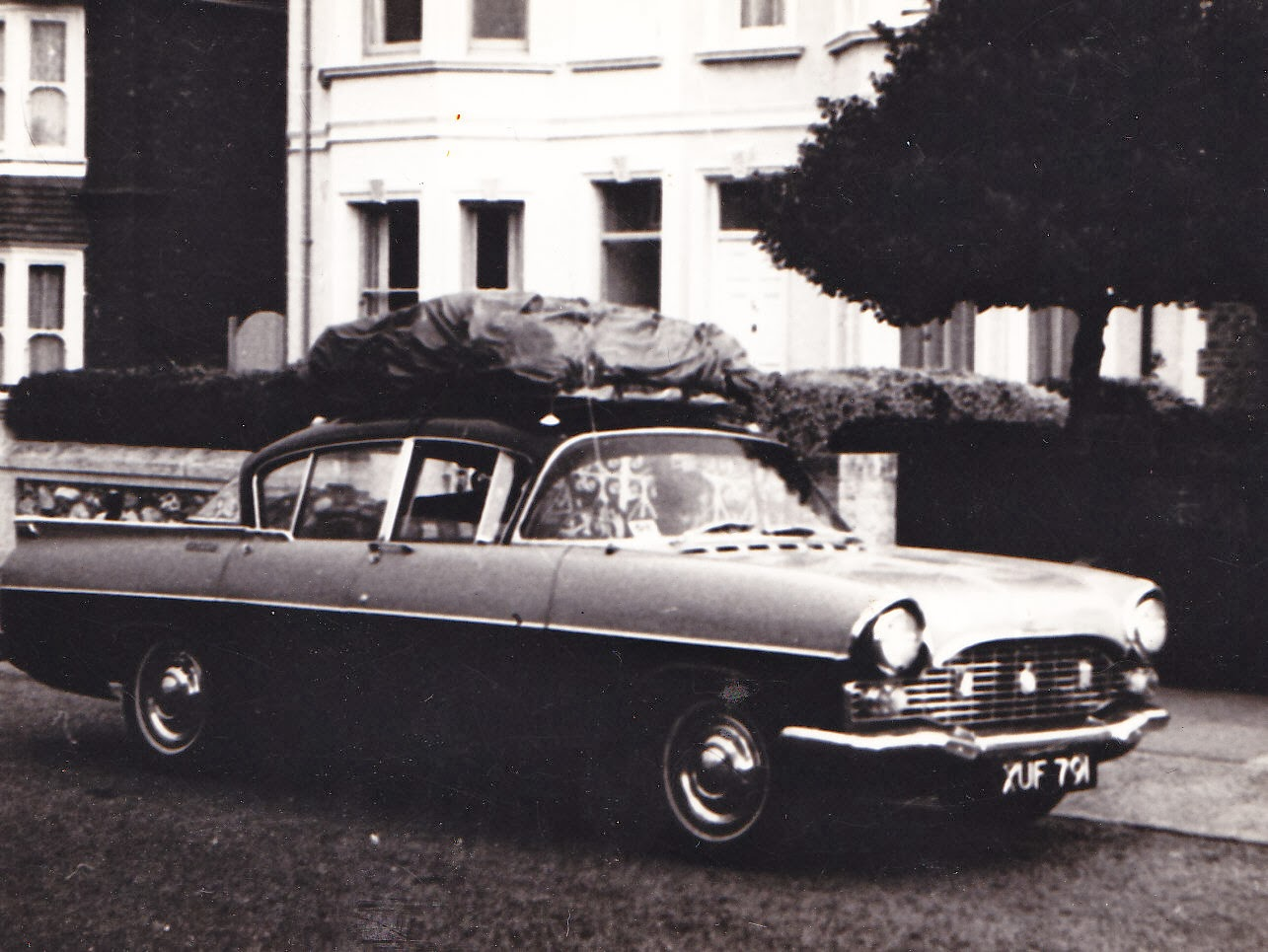 Photo: August 1969 family car ready and loaded.