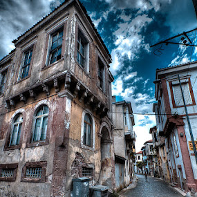 Ayvalik by Rico Besserdich - Buildings & Architecture Public & Historical ( street, ayvalik, turkey, house )