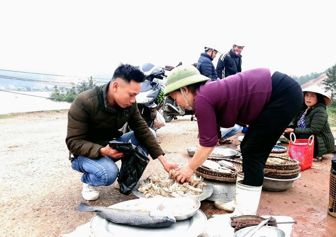 Nhiều năm qua, đời sống ngư dân xứ Nghệ đã chuyển biến rất nhiều nhờ chính sách phát triển kinh tế biển của Đảng và Nhà nước