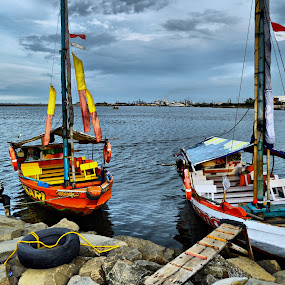 2 Boats by Pak'de Blangkon - Landscapes Beaches