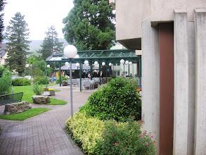 Photo: Schöne Gartenanlage mit gedecktem Sitzplatz