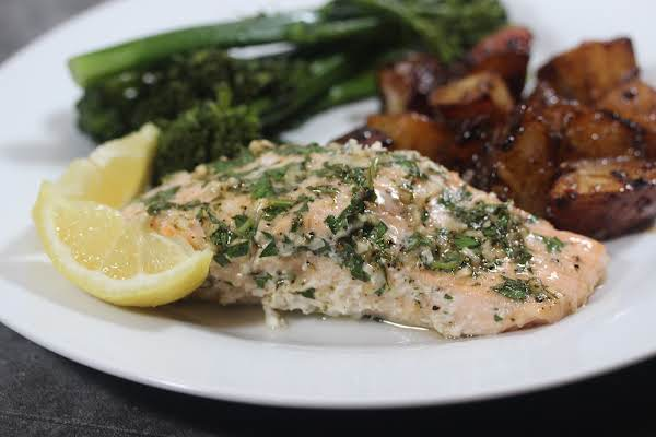 Quick-n-easy Salmon With Herb Sauce