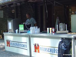 Photo: Vorbereitungen für den Familienplausch. Kaffee-Experte Beat Woodtli.