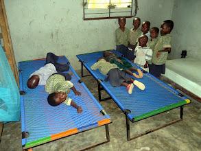 Photo: ah ! qu'ils sont contents ces enfants orphelins