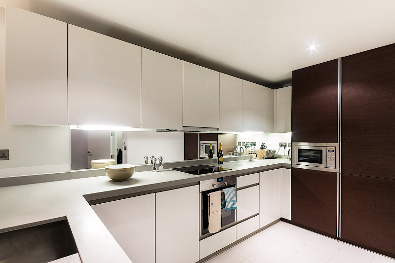 Fully equipped kitchen at Baltimore Wharf, Canary Wharf Serviced Apartments
