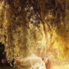 Wedding photographer Viktor Ageev (viktor). Photo of 24.09.2013