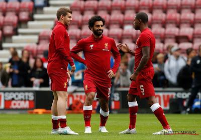 Liverpool rekent simpel af met Wolverhampton en komt samen met Tottenham aan de leiding in Engeland