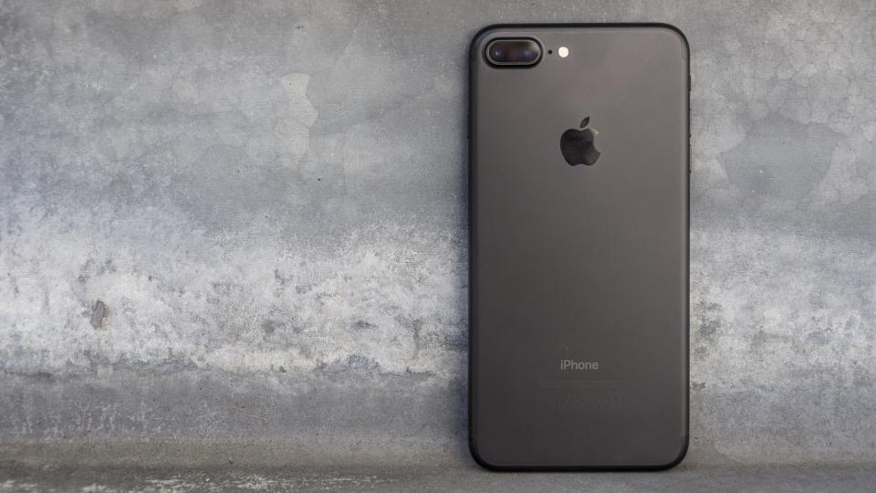 Năm 2019 rồi, mua iPhone 7 Plus có đáng?