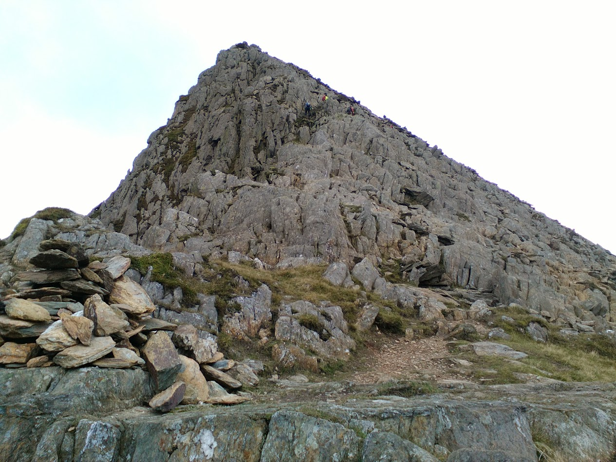 A view of the scramble up Lliwedd Bach