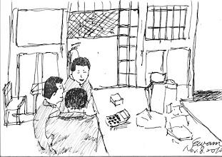 Photo: 話家常2010.11.08鋼筆 結束了一天的工作,受刑人們準備進房休息。 收封前,三位雜役受刑人在我身旁熱絡地聊了起來。