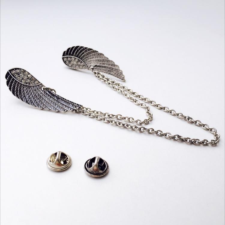 S. Cupid 's Wing Collar Brooch
