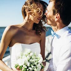 Wedding photographer Vasiliy Tikhomirov (BoraBora). Photo of 04.06.2014