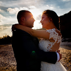 Wedding photographer Magdalena Gheonea (magdagheonea). Photo of 13.12.2017