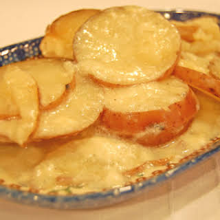 Scalloped Potatoes in the Oven or Slow Cooker.
