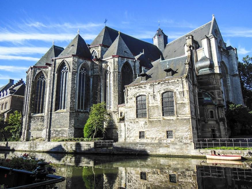 Iglesia de San Miguel en Gante.