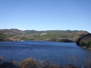 いなさ湖と観音山