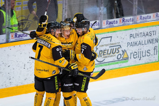 <p>Topi Nättinen onnistui avaamaan pudotuspelien maalitilinsä eilisessä ottelussa.</p>