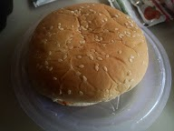 Burger Hut photo 4