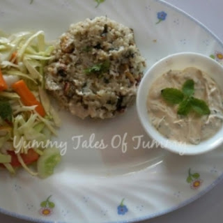 Barley Upma with yogurt dip