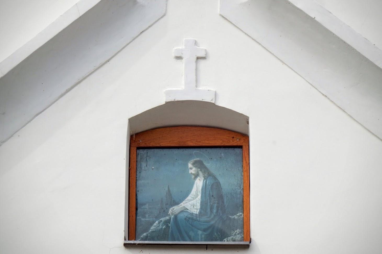 Pér - Fájdalmas Szűzanya kálváriakápolna a keresztúttal