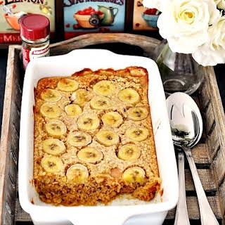 Baked Oatmeal with Bananas & Peanut Butter.