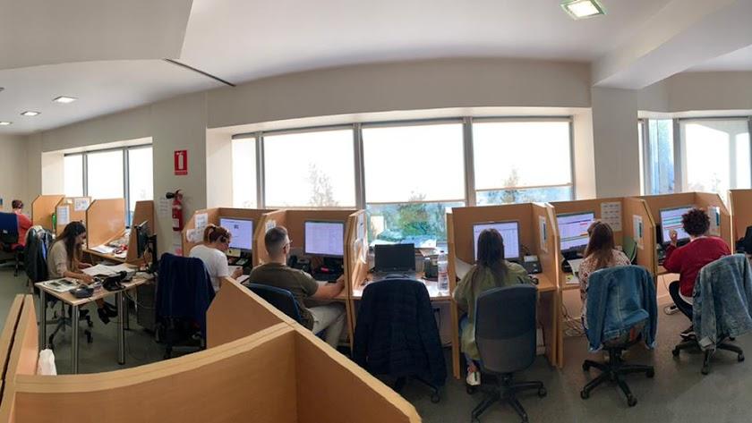 Parte del equipo de TGestión en su lugar de trabajo.