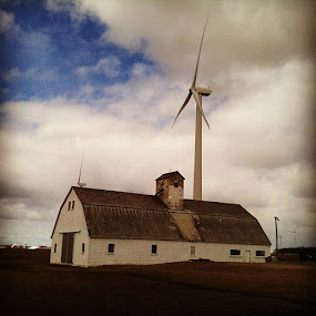 by Kellie Prowse - Instagram & Mobile iPhone ( farm, windmill, alternativepower, thumb, michigan )