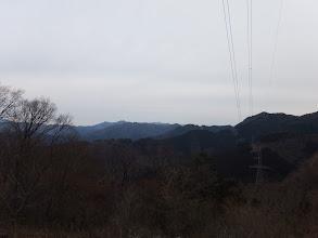 ドウの天井(中央奥)や日永岳(中央左)など