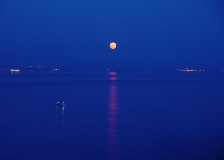 La luna nel BLU di CORRADO RIZZOLI PHOTOGRAPHER