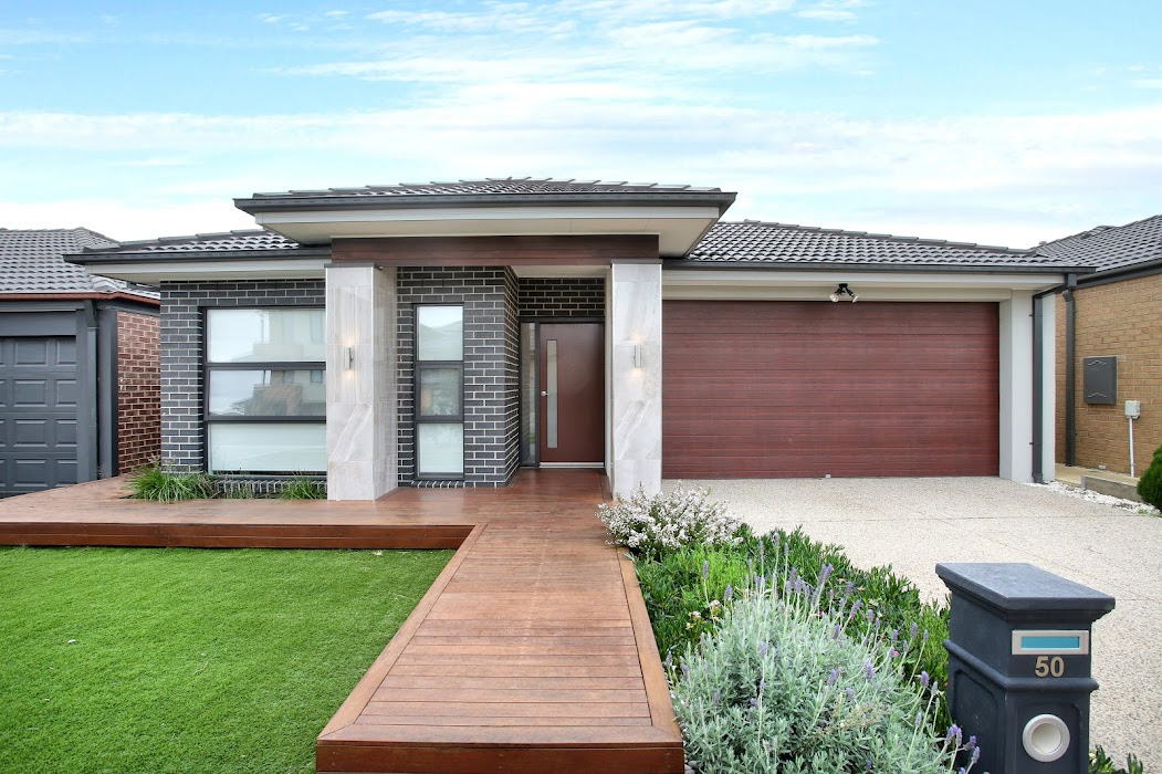 Main photo of property at 50 Wilmington Avenue, Cranbourne West 3977