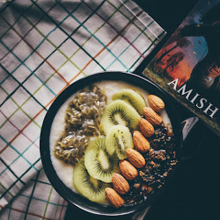 Health In a bowl – 2 ( Oats and passion fruit/ kiwi)