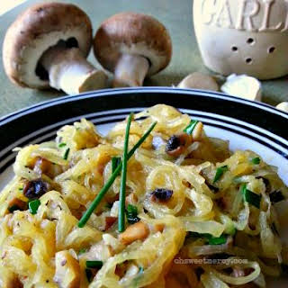 Buttery Garlic, Mushroom and Chive Spaghetti Squash.