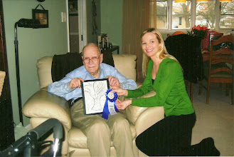 Photo: WWII Vet gets first place in national art contest