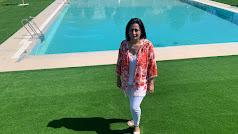 Alcaldesa de Cantoria durante la inauguración de la piscina.